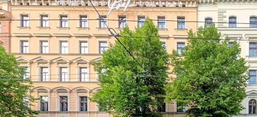 5* Grand Poet Hotel